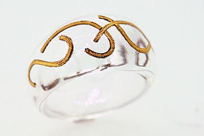 Ring aus Acryl